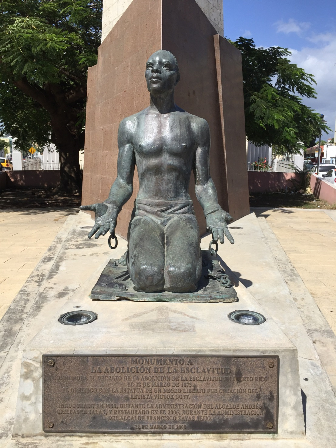 Statue honoring the abolition of slavery